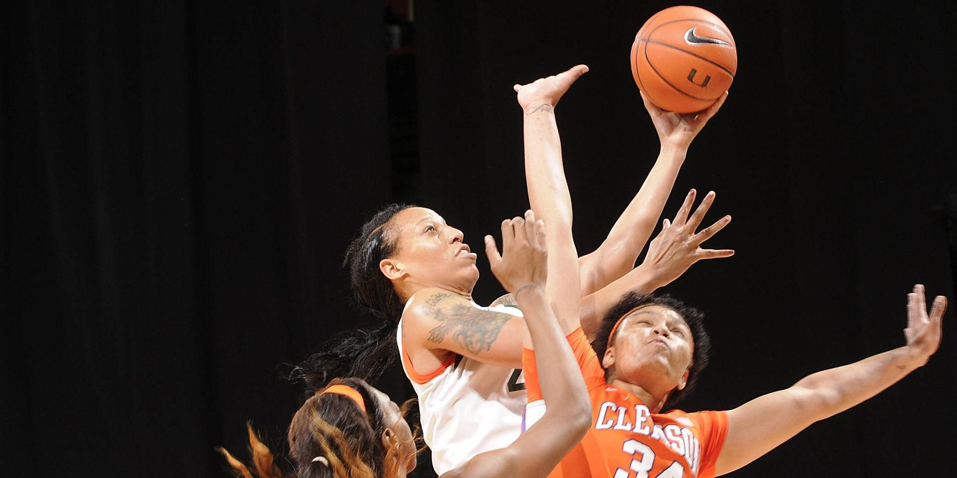 WBB Stays on Top at Home With Win vs. GT