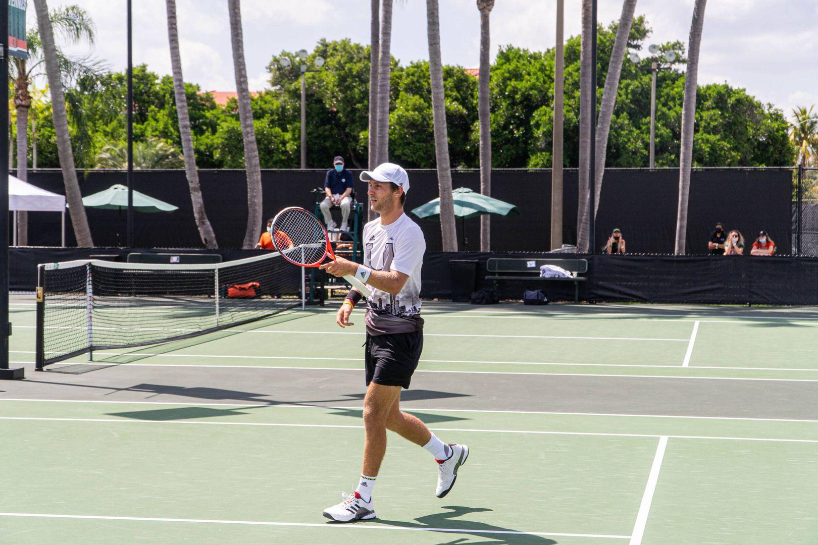 Men's Tennis Downs No. 29 USF, 4-3