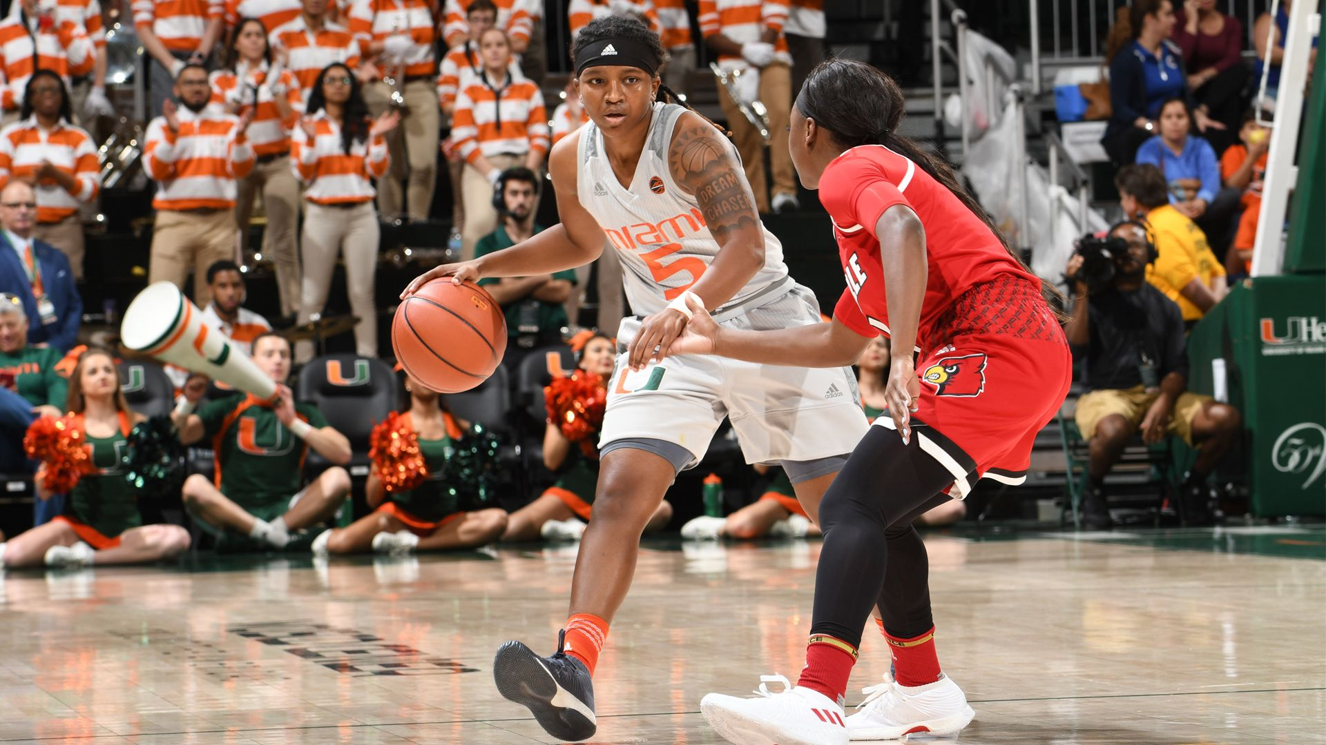 WBB Falls to Fourth-Ranked Louisville, 84-74