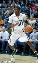 Scott Leads Men's Basketball Past Florida Southern
