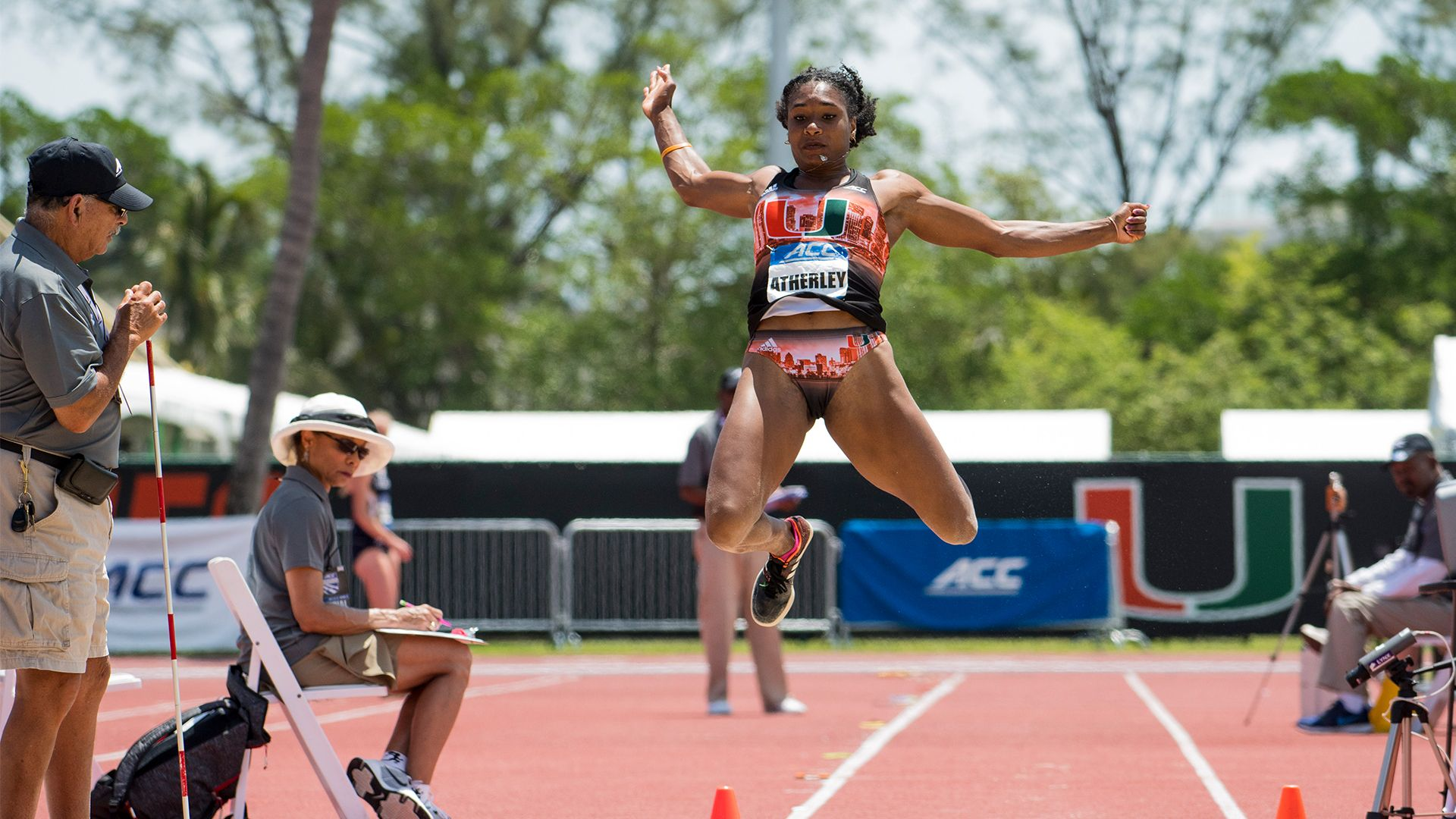 Women's Track Enters Indoor Season Ranked No. 25