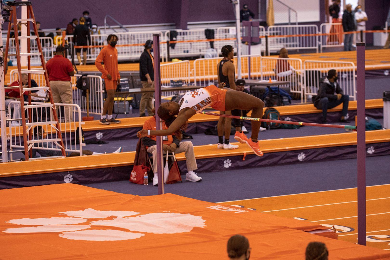 Track Women Ranked No. 22