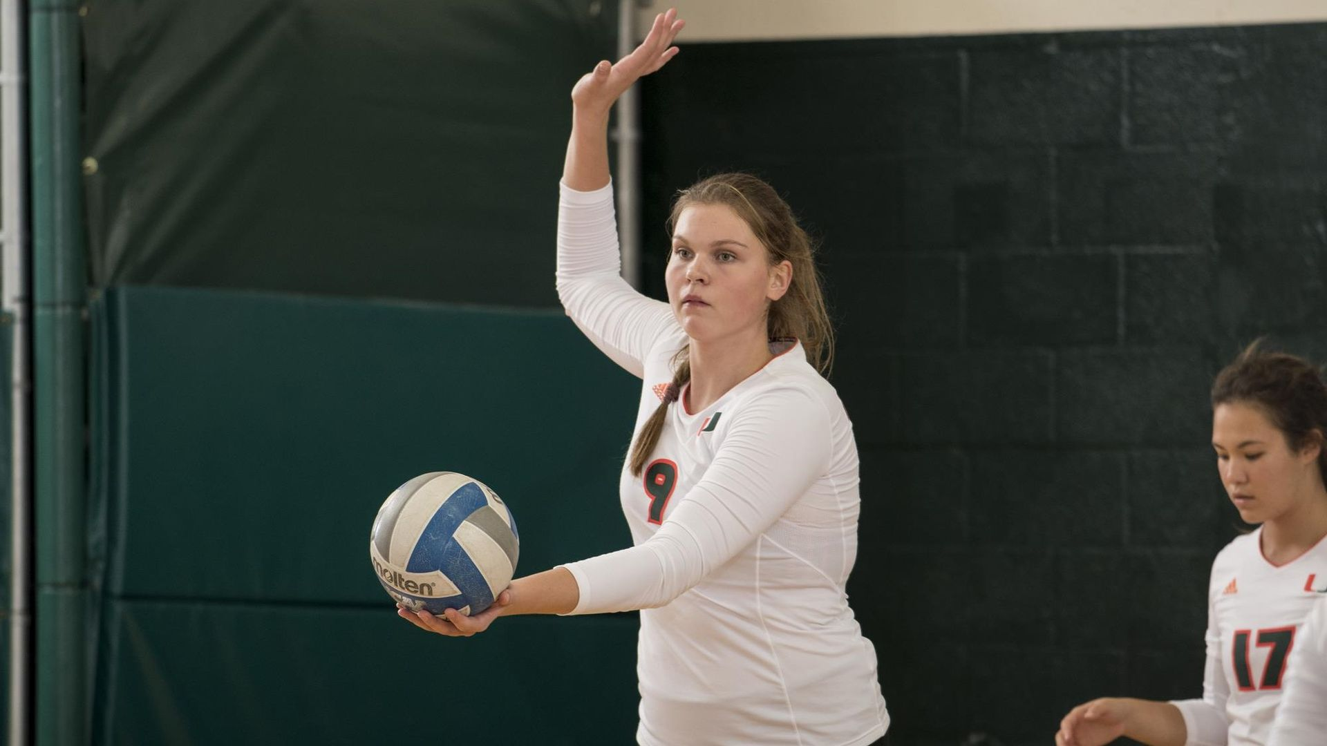Volleyball Sweeps Opening Day with Dramatic Win