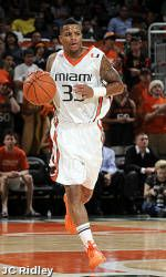 Hurricanes Knock Off FAU for Fourth-Straight Win