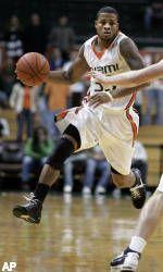Hurricanes Basketball Returns to Winning Ways