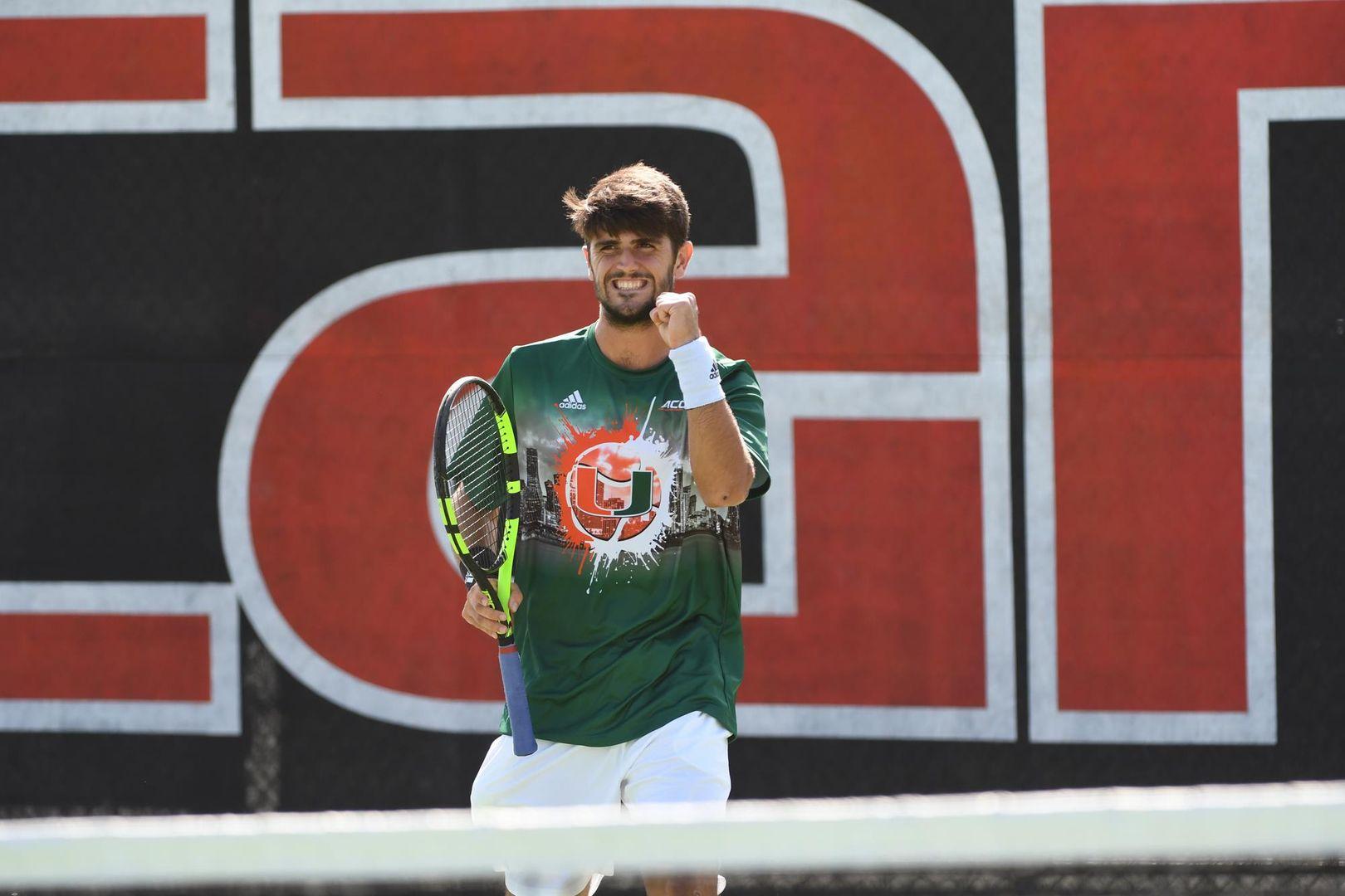 Miami Men's Tennis Rolls Past FAU, 4-2