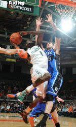 Men's Basketball Takes on North Carolina Tuesday