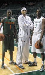 Men's Basketball Plays Host to No. 20/20 Georgia Tech Wednesday
