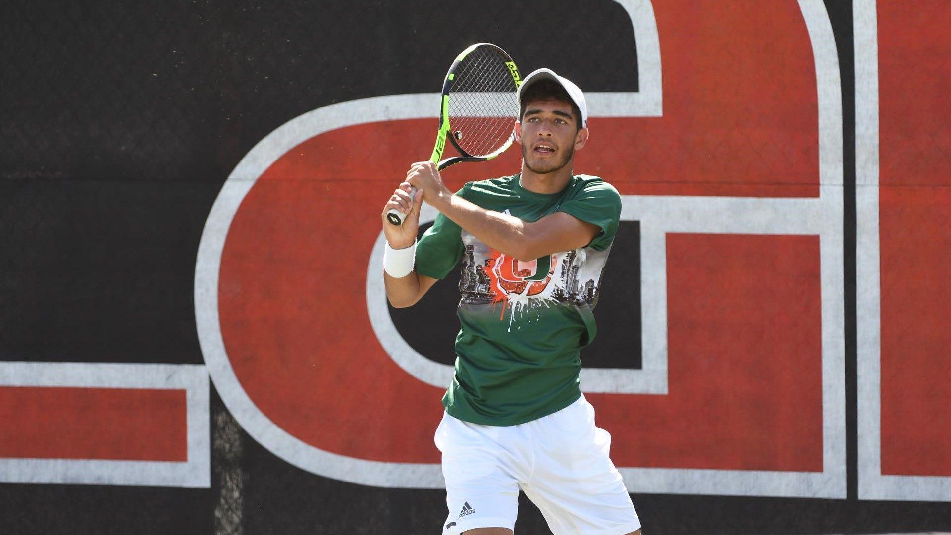 Soriano Barrera Reaches Quarterfinals at ITA Fall Nationals