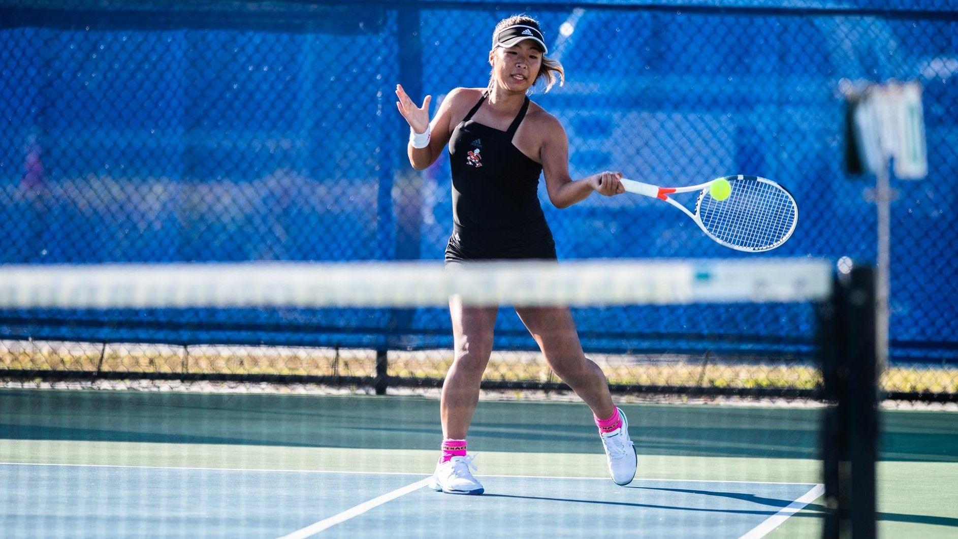 W. Tennis Defeats Cornell, 6-1