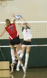 Hurricanes Rally to Top Clemson in Five Games