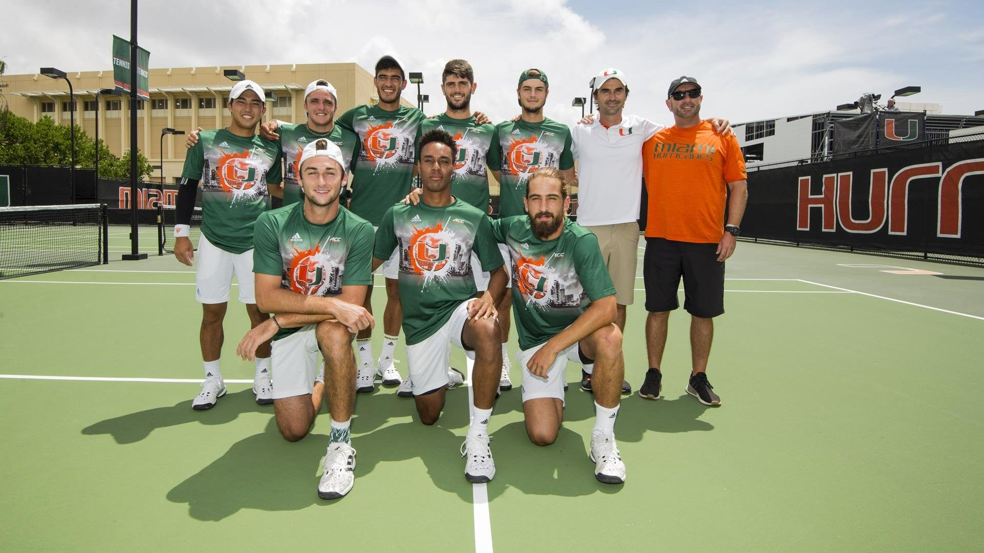 Men's Tennis Closes Out Regular Season in Style