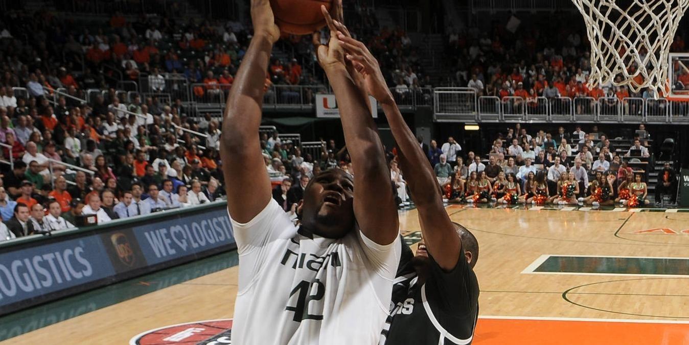 Men's Basketball Tops UMass, 75-62
