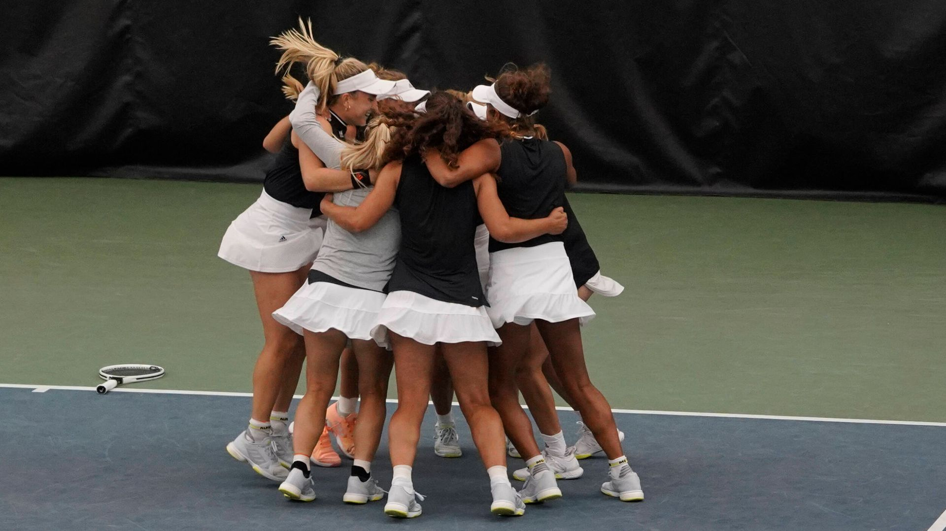 W. Tennis Rolls to 4-1 Win over Second-Seeded Florida State