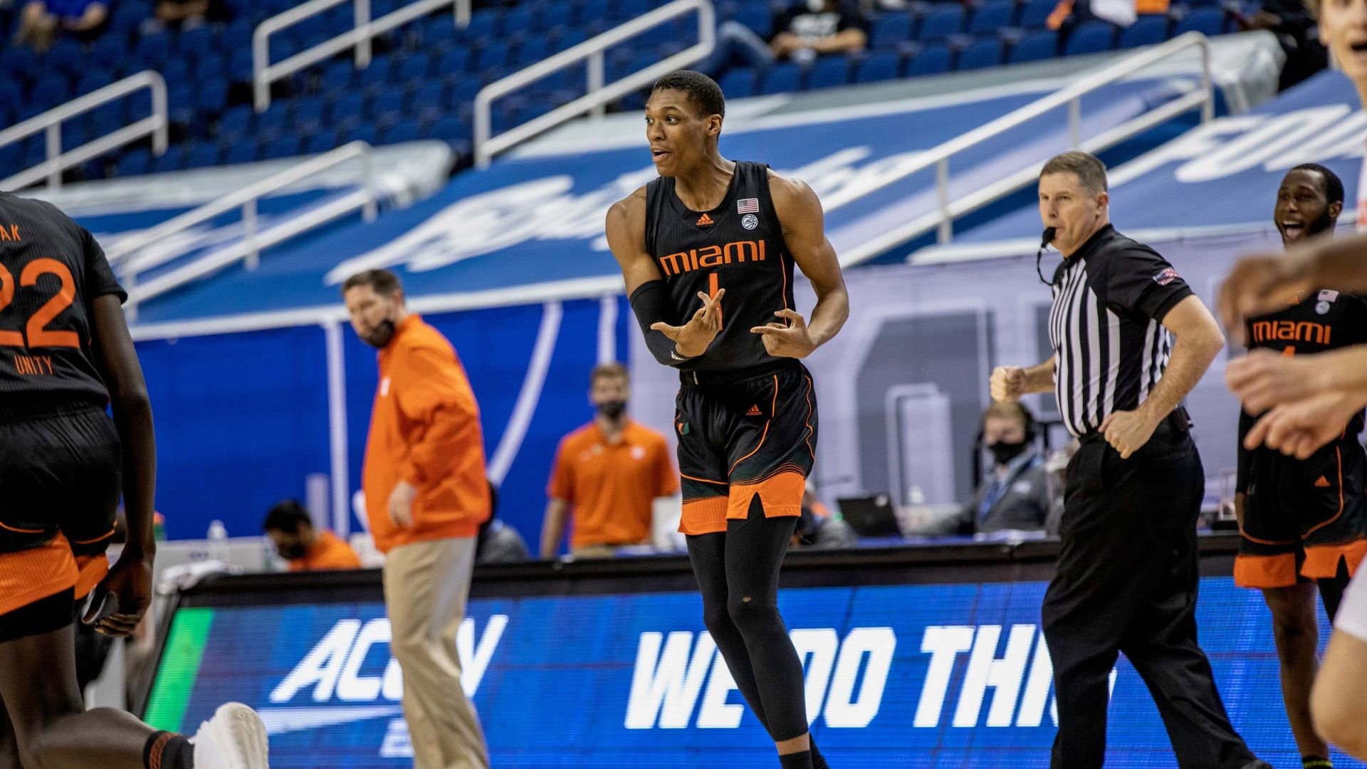 MBB Knocks off Fifth-Seeded Clemson, 67-64